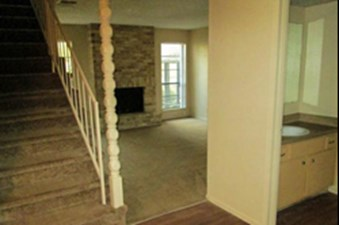 Living at Listing #140853
