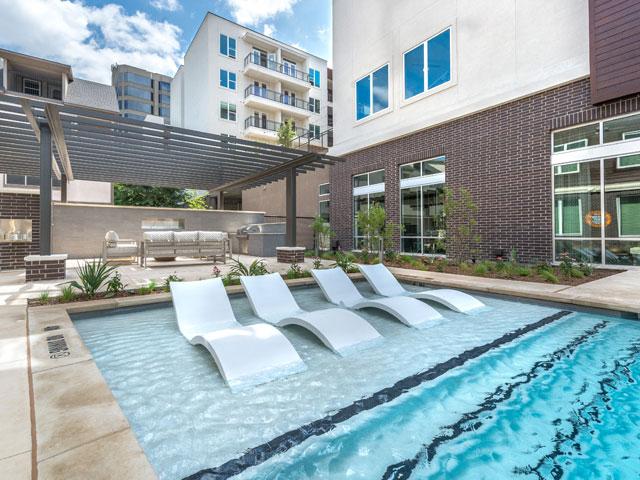 Pool at Listing #280669