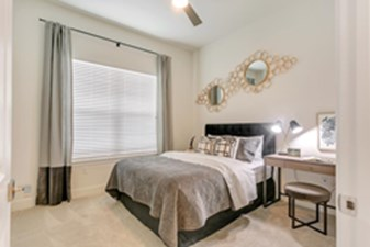 Bedroom at Listing #261270