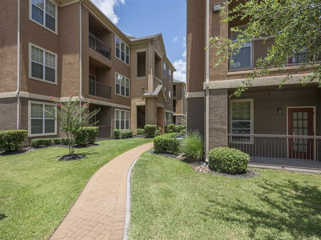 Exterior at Listing #145115