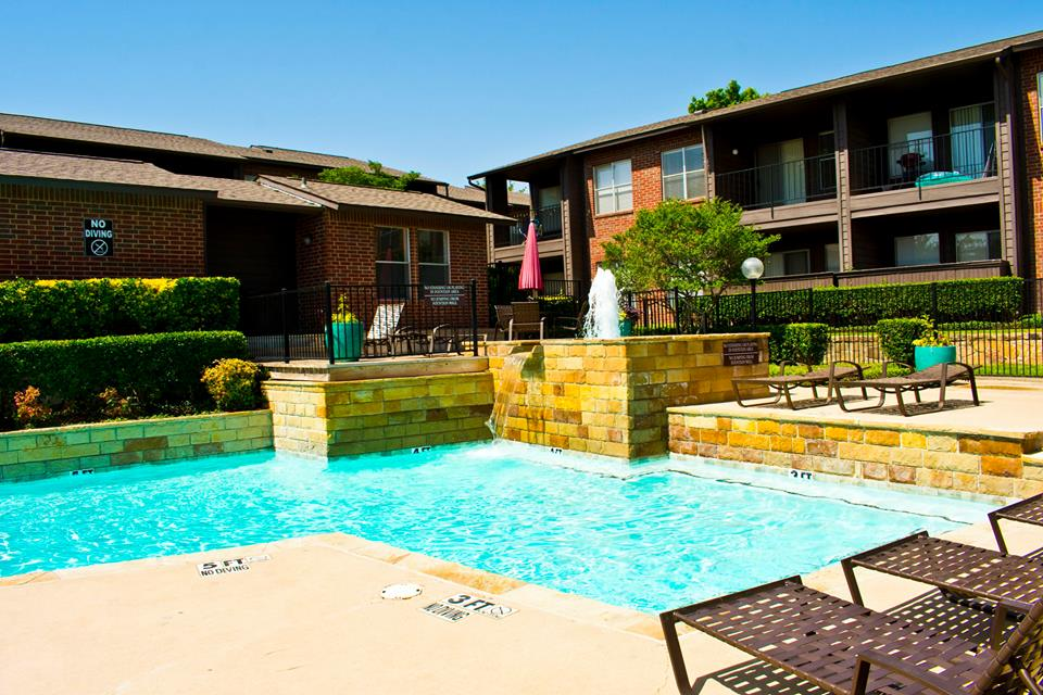 Pool at Listing #137524