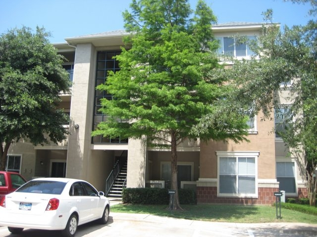 Exterior at Listing #137750
