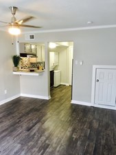 Living Area at Listing #292933