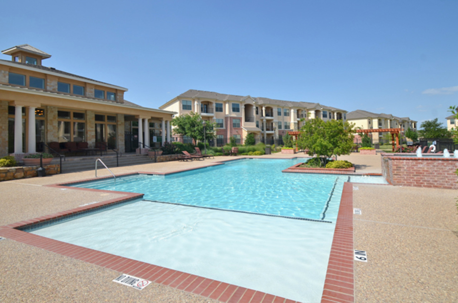 Pool at Listing #144778