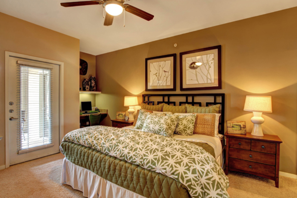Bedroom at Listing #147442