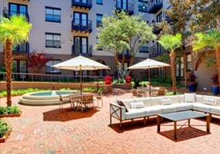 Courtyard at Listing #137744