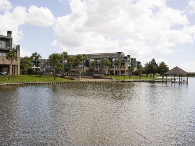 Hidden Lake Apartments Houston TX