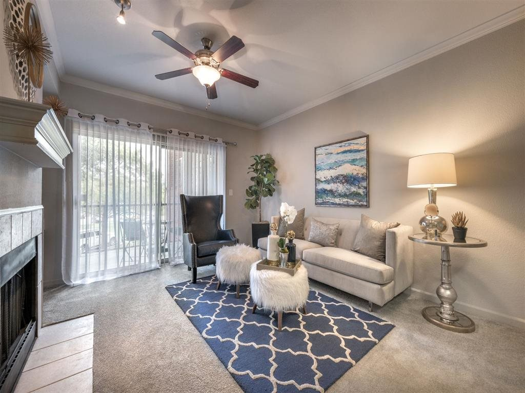 Living Room at Listing #137838