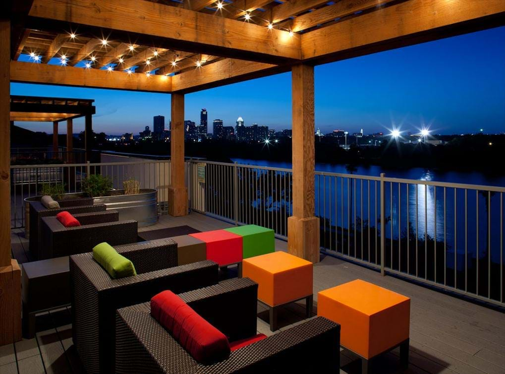 Lounge at Listing #150483