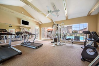 fitness center at Listing #137952