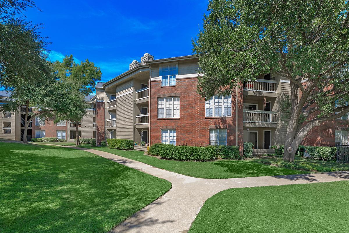 Bristol Square Apartments Dallas TX