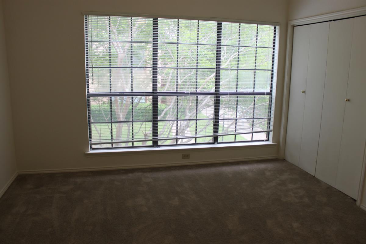 Bedroom at Listing #137855