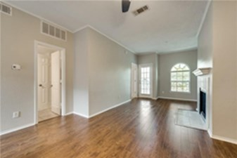 Living at Listing #137261