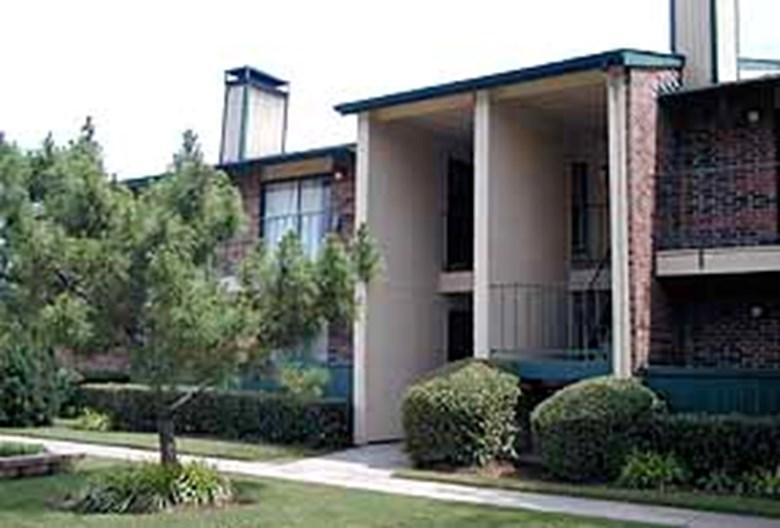Rochelle Plaza Apartments