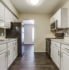 Kitchen at Listing #137224