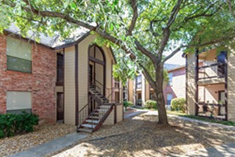 Exterior at Listing #140951