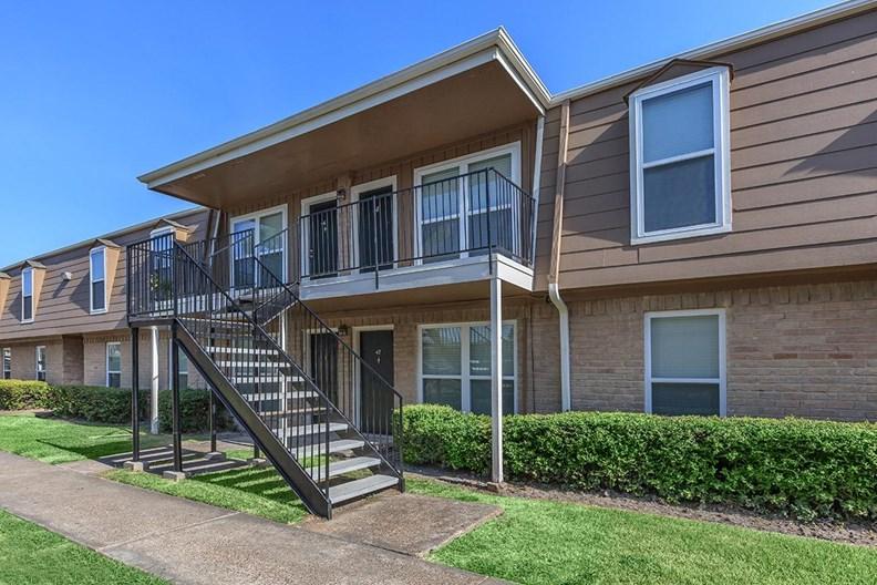 Bayou Palms Apartments