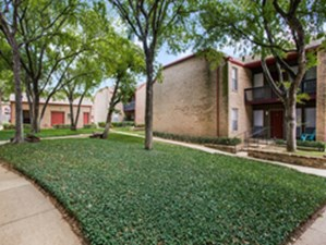 Courtyard at Listing #137513