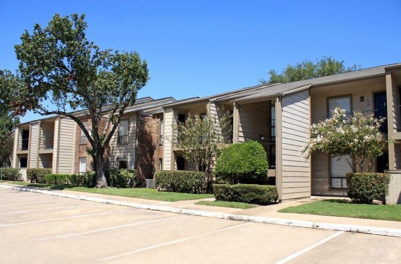 Cedars at Ellington Apartments Houston TX