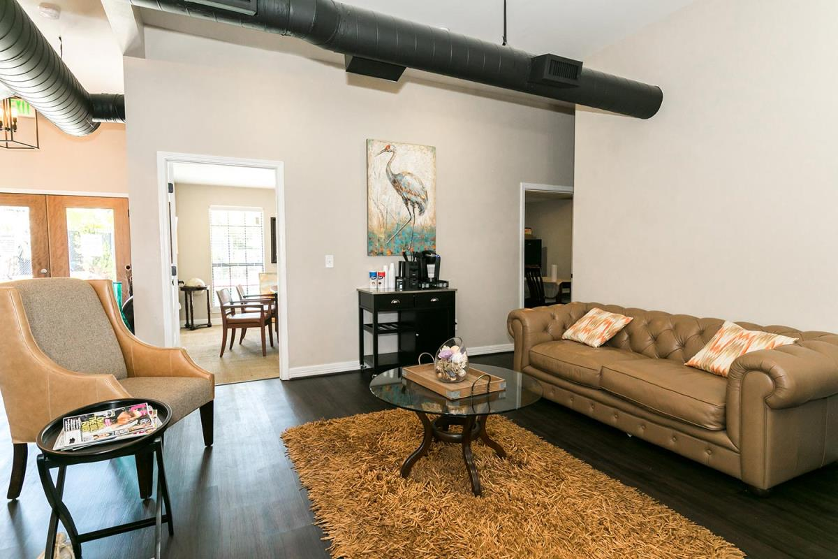 Lounge at Listing #138449