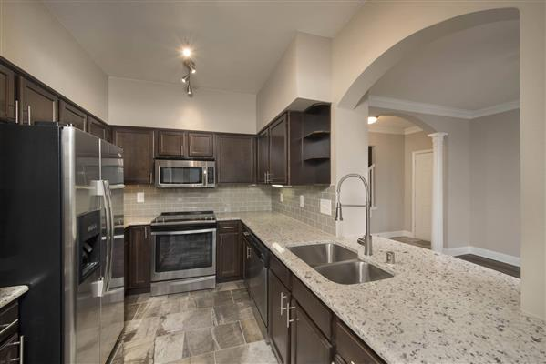 Kitchen at Listing #137790