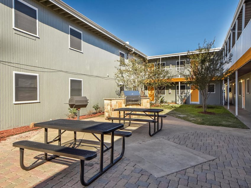 Picnic Area at Listing #144233