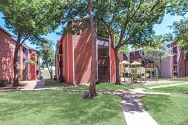 Villa Vista Apartments Dallas TX