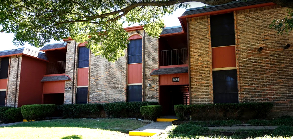 Exterior at Listing #137451