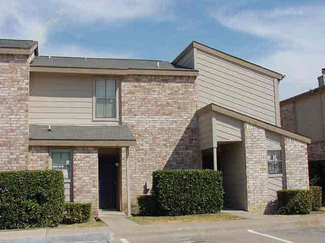 Exterior 5 at Listing #137237