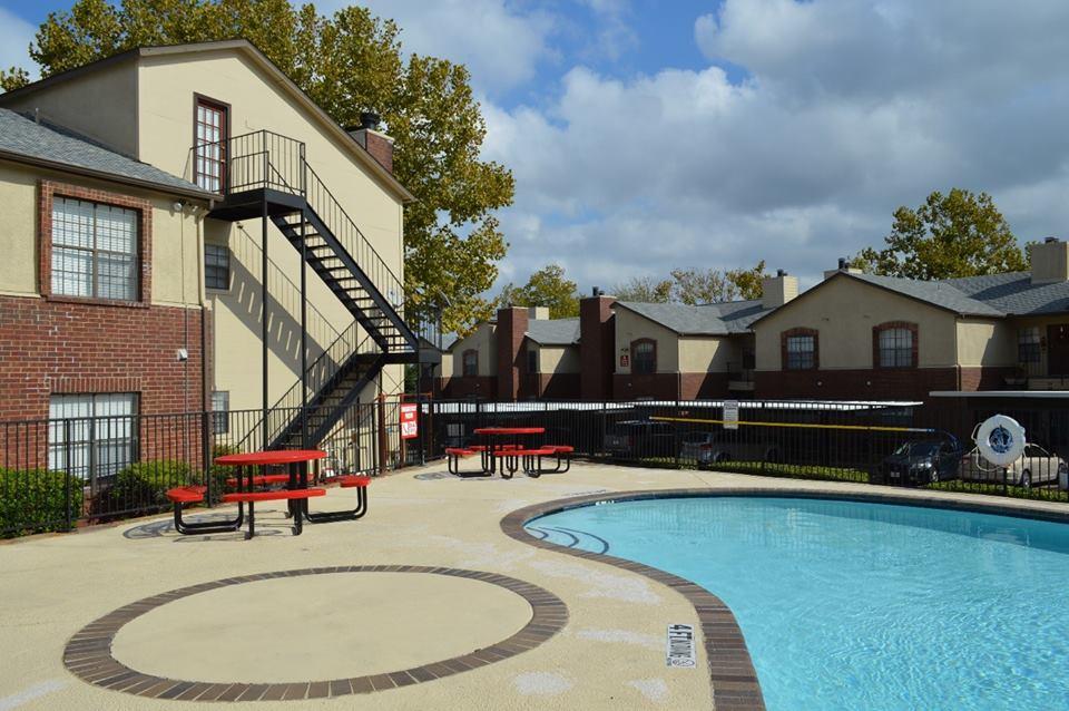 Pool at Listing #136433
