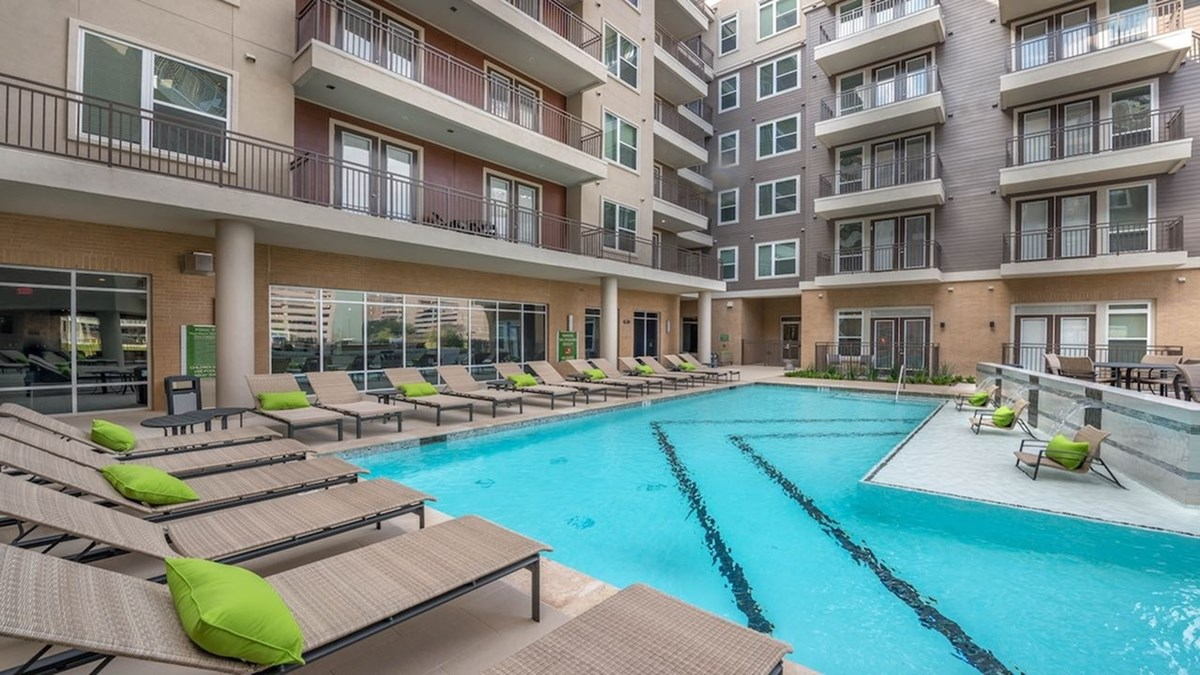 Pool at Listing #276349