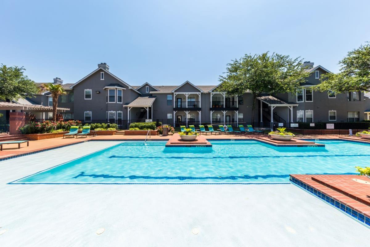 Pool at Listing #137920