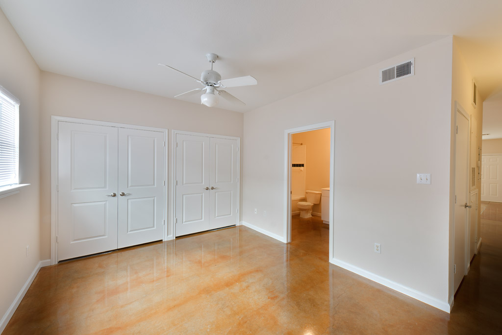 Bedroom at Listing #138960