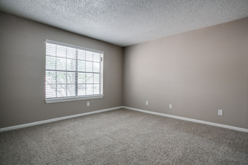 Bedroom at Listing #140533