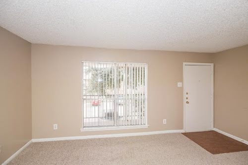Living at Listing #139387