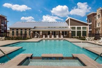 Pool at Listing #288963