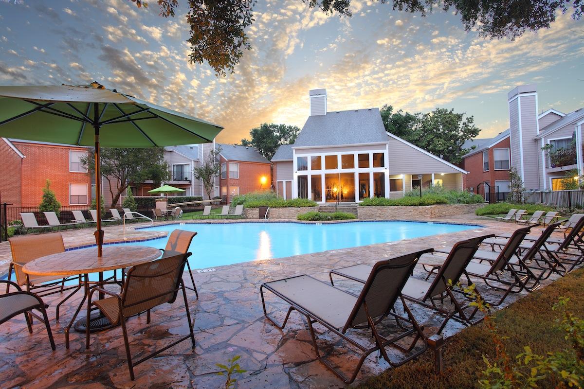 Pool at Listing #140840