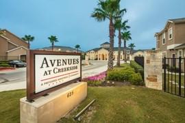 Avenues at Creekside Apartments New Braunfels TX