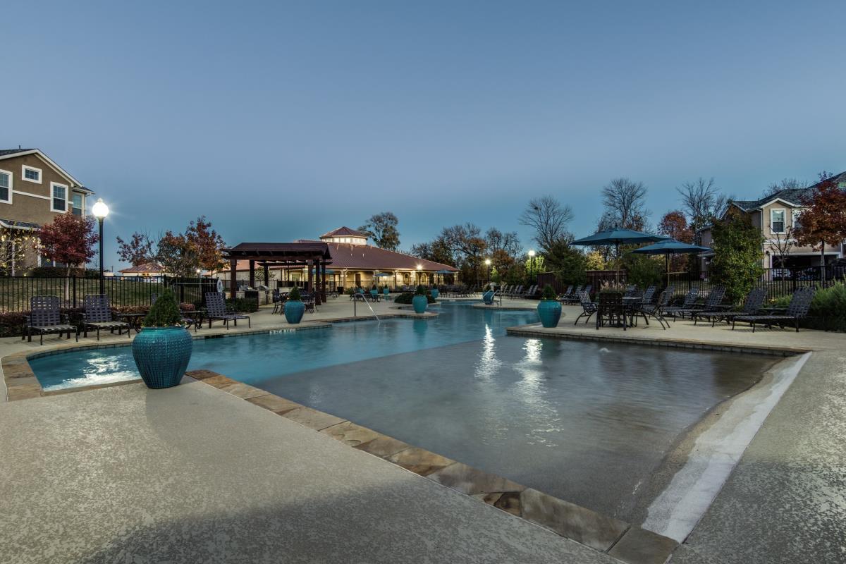Pool at Listing #230344
