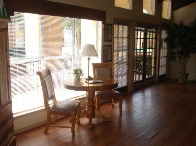 Lounge at Listing #136270