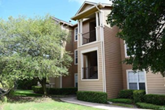 Exterior at Listing #140651