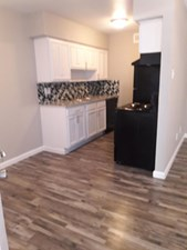 Dining at Listing #136260