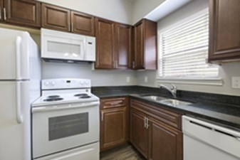 Kitchen at Listing #140289