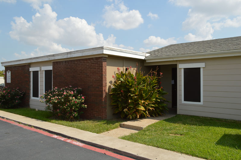 Exterior at Listing #136825