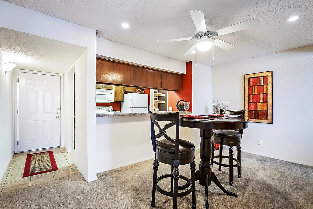 Dining/Kitchen at Listing #136799