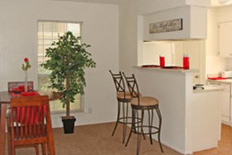 Living at Listing #140811