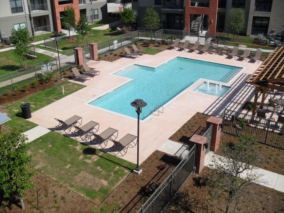 Retreat at North Bluff Apartments Austin TX