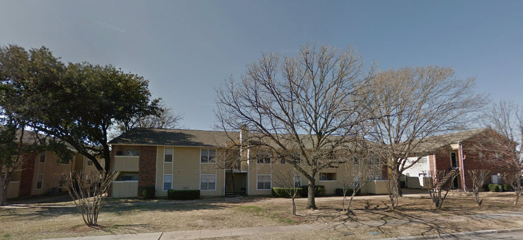 Exterior at Listing #136364