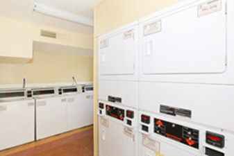 Washer/Dryer at Listing #139497