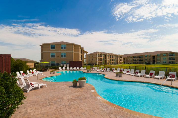 Pool at Listing #146202